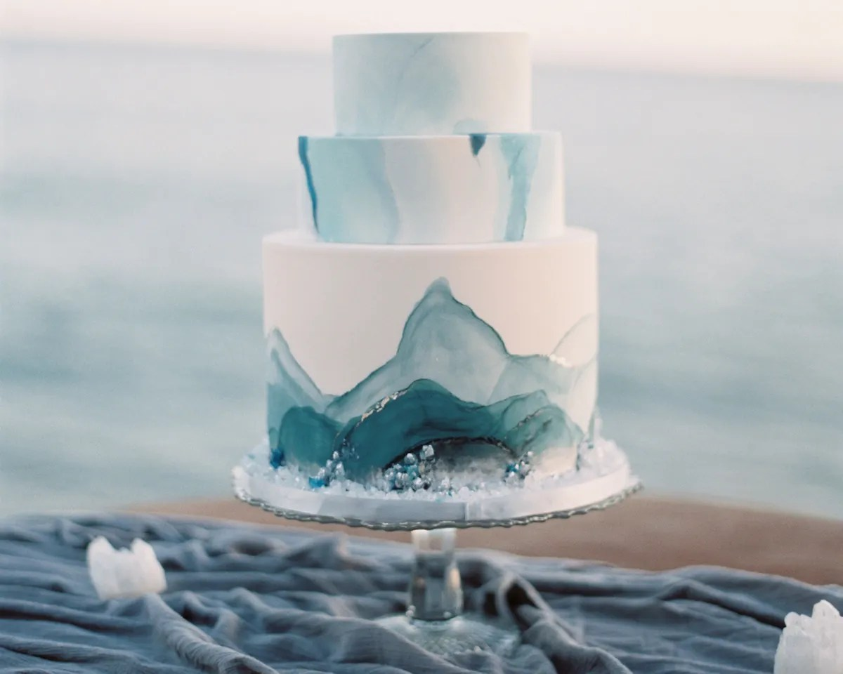 Wedding Cake Trends of 2017  Goodbye Ombr      Hello Watercolor     Wedding Cake Trends of 2017  Goodbye Ombr      Hello Watercolor Frosting   Bon  Appetit