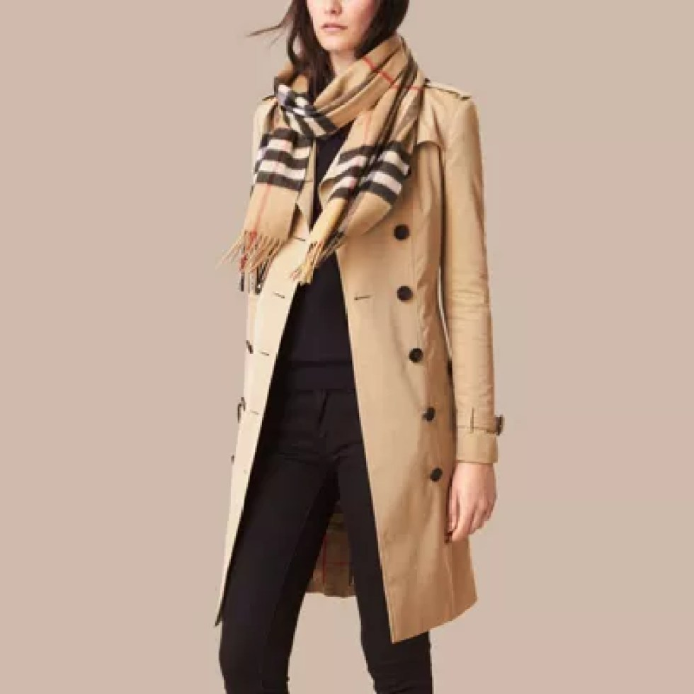 BURBERRY THE CLASSIC CASHMERE SCARF IN CHECK