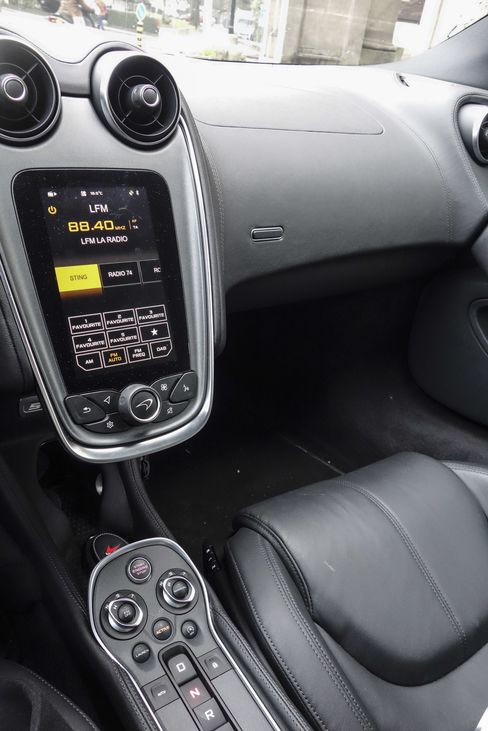 Controls on the 570S are streamlined with an easy-to-use (if slightly un-responsive) touchscreen.