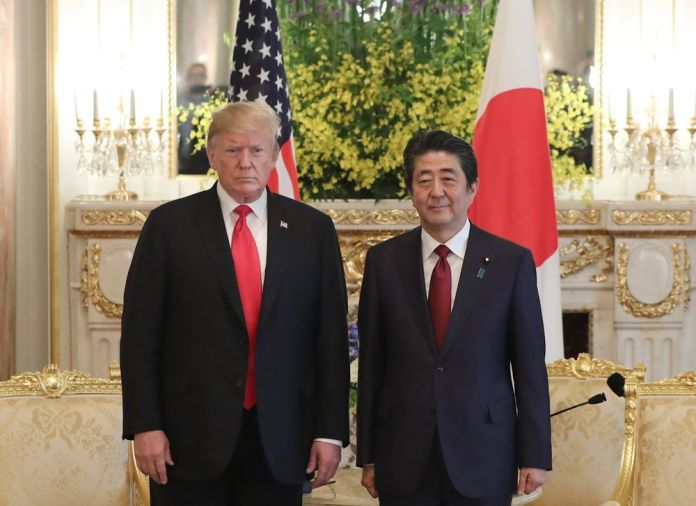 Trump Backs Abe Playing Intermediary Role in Standoff With Iran ...