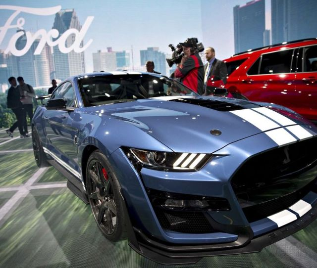 Ford Debuts Most Powerful Mustang Ever 2020 Ford Shelby Gt500 Bloomberg
