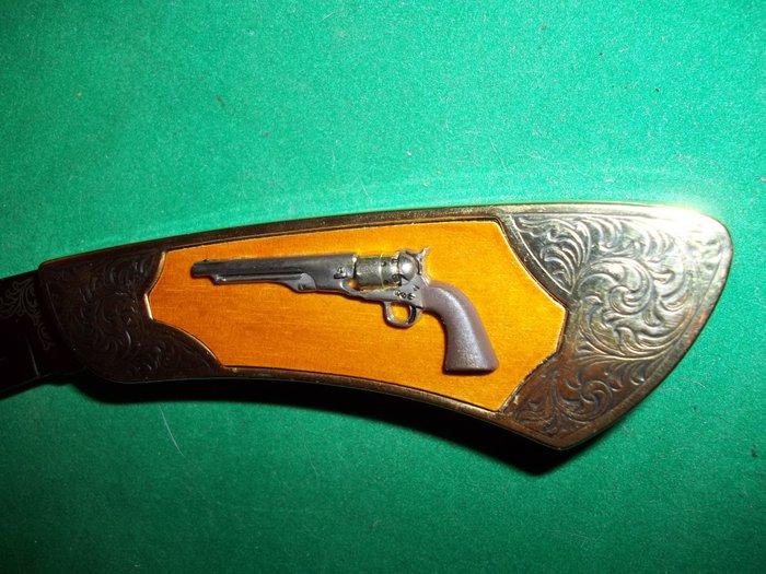 Franklin Mint Collector Knives Colt