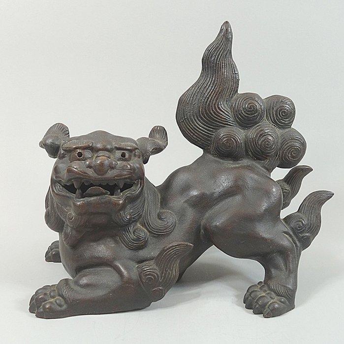 Okimono, Shi Shi - 旧備前 Bizenware - Stoneware - Japan - Meiji period (1868-1912) - Catawiki