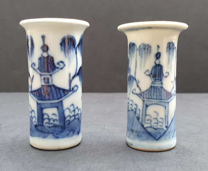 Dollhouse (2) - Blue and white - Porcelain - Landscape - Beautiful Dollhouse Vases in Mint Condition - China - Kangxi (1662-1722) - Catawiki