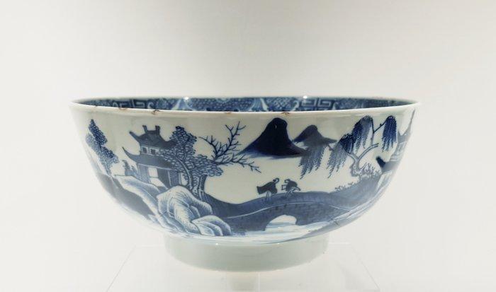 Bowl (1) - Porcelain - Fisherman landscape - Very large Qianlong bowl Ø 22,5 cm - China - Qianlong (1736-1795) - Catawiki