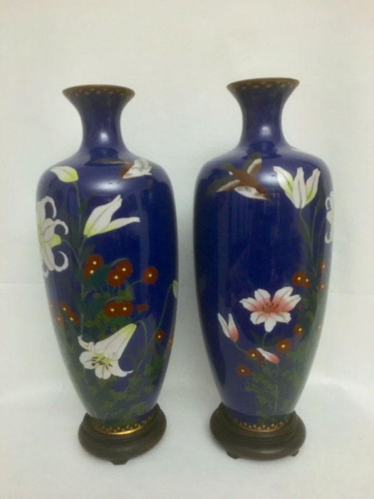 Vases (2) - Cloisonne enamel - Japan - Meiji period (1868-1912) - Catawiki