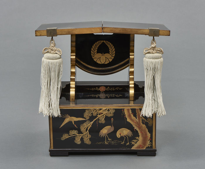 Black lacquered lecture table - Lacquer, Wood - Japan - Meiji period (1868-1912) - Catawiki