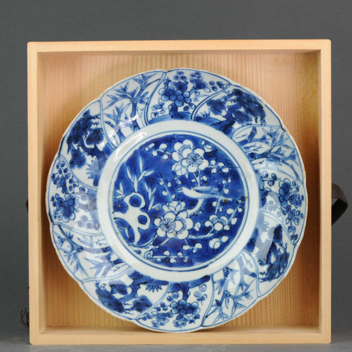 Plate - Blue and white - Porcelain - 21 centimeter Three Friends of Winter - China - Wanli (1573-1619) - Catawiki