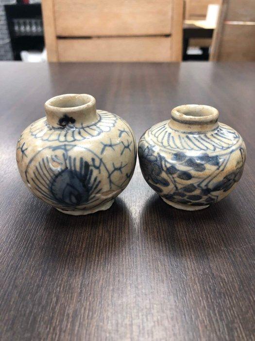 Pot (2) - Porcelain - China - Ming Dynasty (1368-1644) - Catawiki