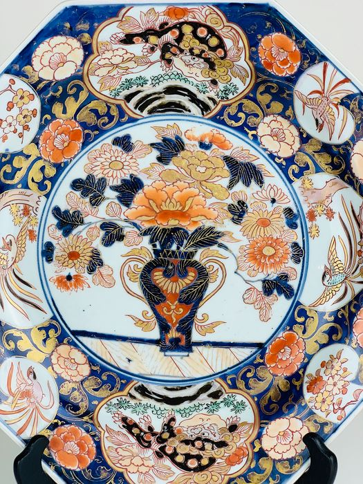 Large Japanese Imari octagonal charger - Porcelain - Japan - Early 18th century - Catawiki