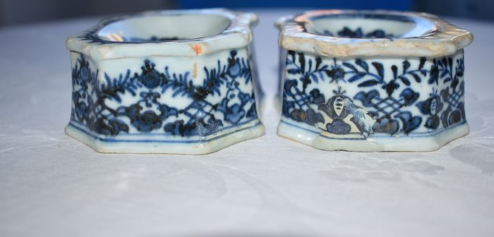 salt shakers (2) - Porcelain - China - Qianlong (1736-1795) - Catawiki