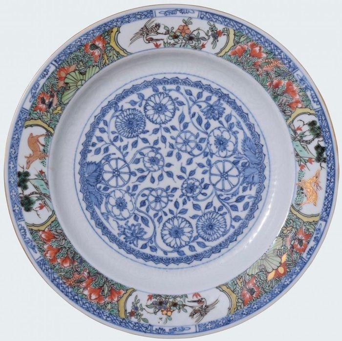 Large famille verte dish decorated with deers. - Porcelain - China - Kangxi (1662-1722) - Catawiki