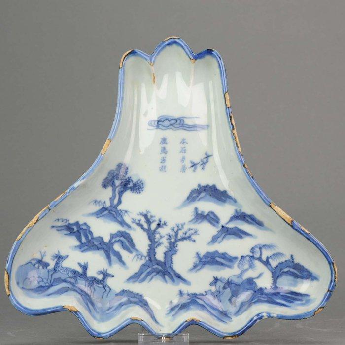 Plate - Blue and white - Porcelain - Kosometsuke - Mount Fuji Horses Deer Mountain - Rarity - China - 17th century - Catawiki
