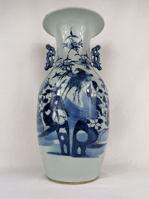 Celadon colored vase with a decoration of flowers and a bird - Porcelain - China - 19th century