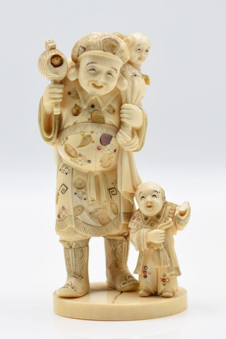 Okimono (1) - Elephant ivory - Shibayama Ivory okimono Daikoku and karako,Meiji period signed - Japan - 19th century Meiji period - Catawiki