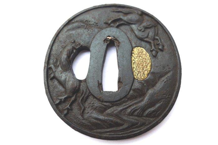 Beautiful horse pair motif tsuba with box - Iron - Japan - Edo Period (1600-1868) - Catawiki