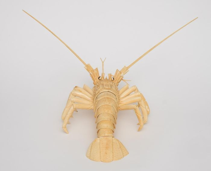 Lobster made of bone with moveable parts. - Bone - Lobster - Japan - Early Showa - Catawiki