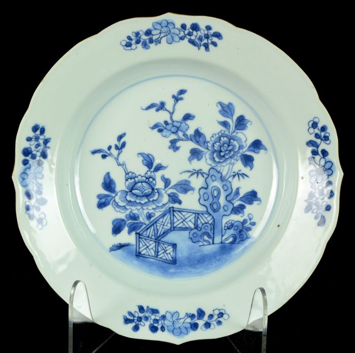 Plate - Blue and white - Porcelain - Chinese provincial landscape - China - Qianlong (1736-1795)
