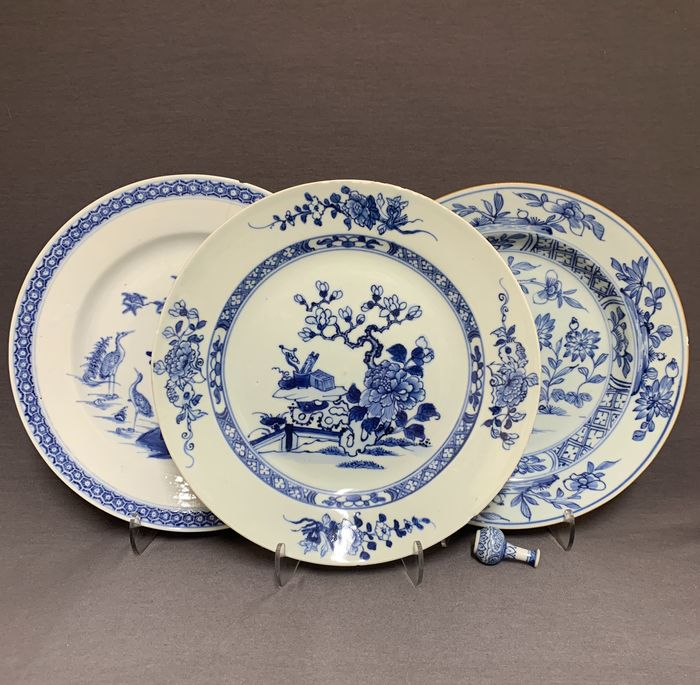 Plates (3) - Porcelain - Chinese - Scholar's table, cranes, chrysanthemum and peonies in landscape - China - Yongzheng (1722-1735)/Qianlong (1735-1796)