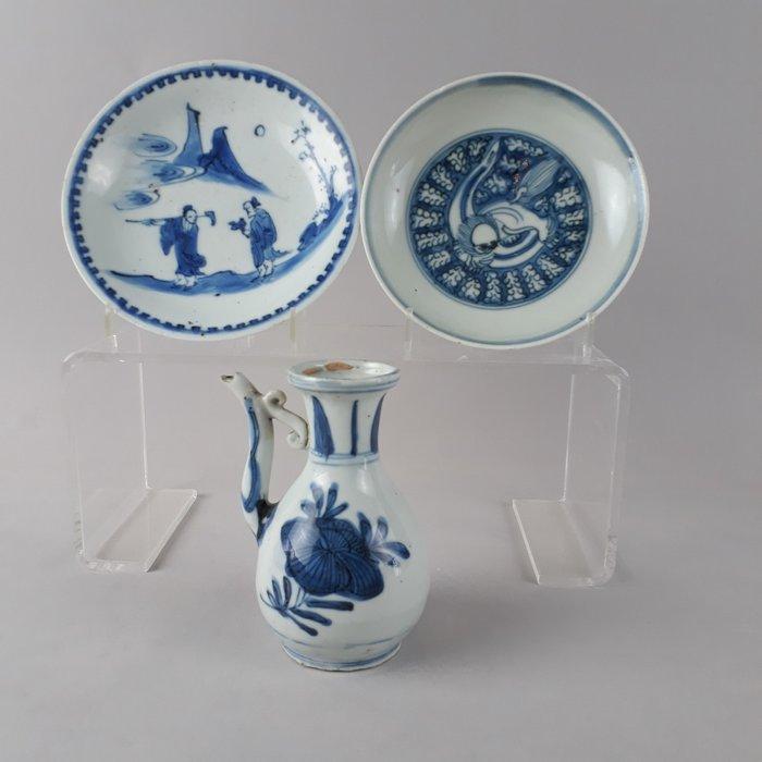 Dish, Ewer (3) - Kraak porcelain - Porcelain - Literati kosometsuke plate, - China - Wanli (1573-1619)