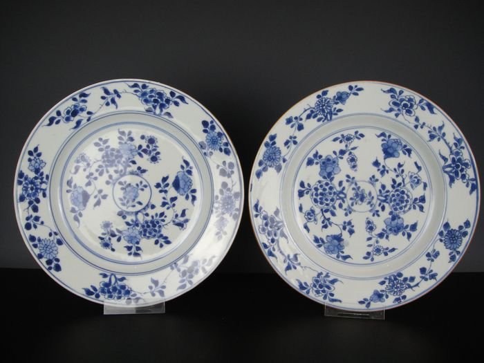 Two plates - Porcelain - China - 18th century