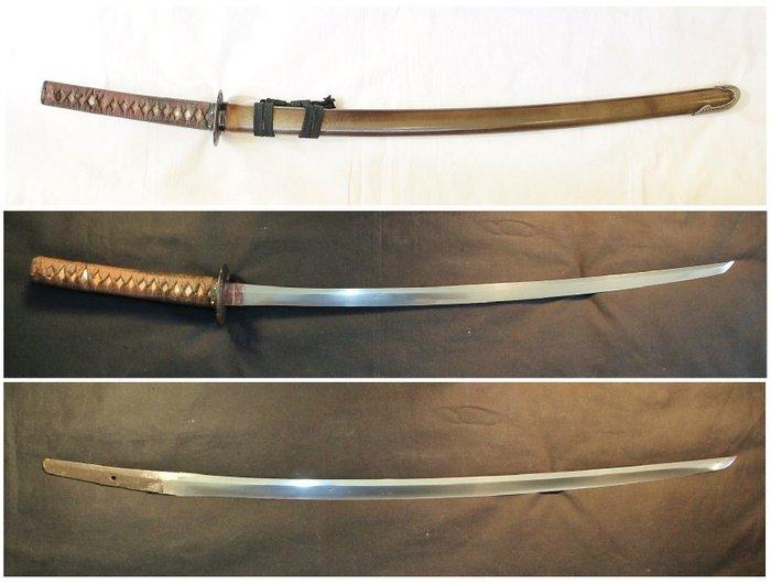 Katana, Sword - Tamahagane steel - Koto Uchigatana Katana Sword in Edo koshirae - Japan - 15th century