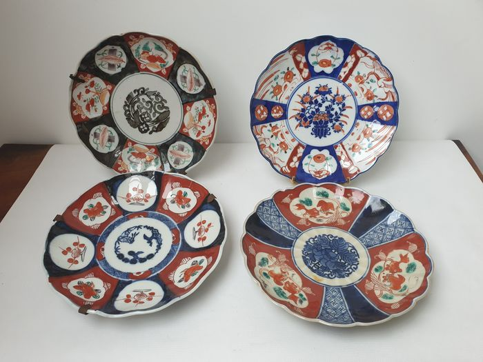 Plates (4) - Imari - Porcelain - Japan - Meiji period (1868-1912)