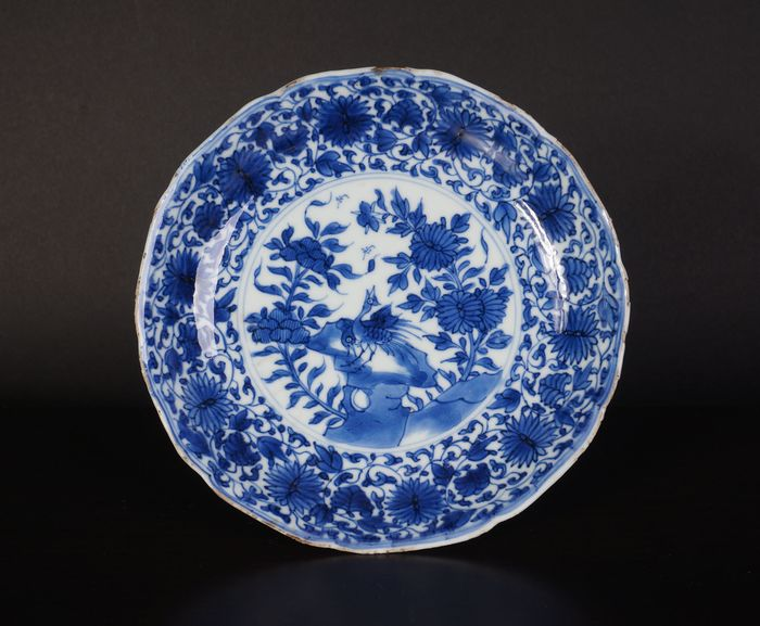 blue white antique Chinese plate with peony and pheasant on rock (1) - Blue and white - Porcelain - China - Kangxi (1662-1722)