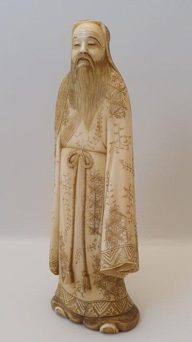 Okimono - Marine ivory - Japan - Meiji period (1868-1912)