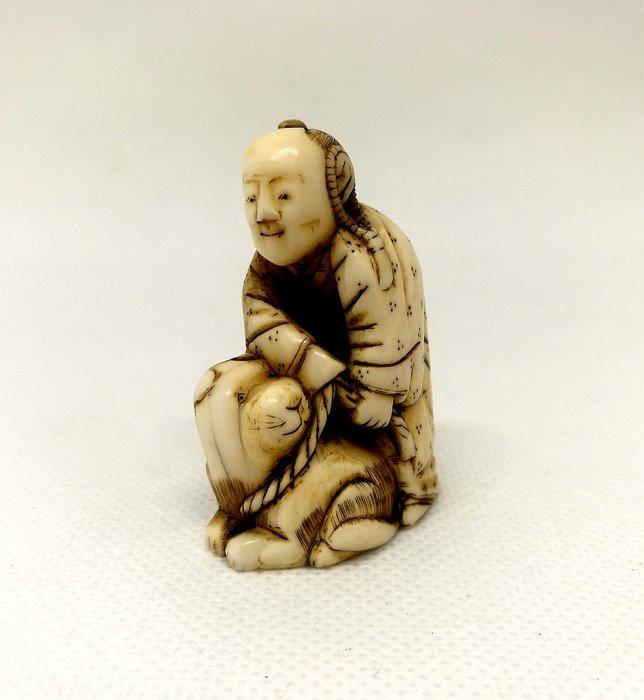 Particular Netsuke - Ivory - Japan - Meiji period (1868-1912)