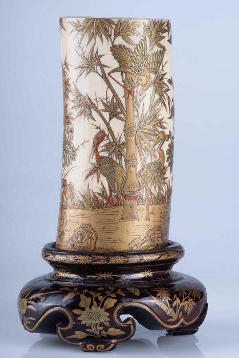 Vase - Elephant ivory, Lacquer, Wood - Eccezionale scena naturalistica - Giardino floreale con gru della manciuria - Lacca oro maki-e - Japan - Meiji period (1868-1912)