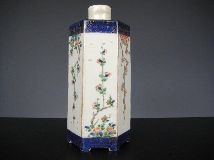 Vase - Porcelain - China - 18th century
