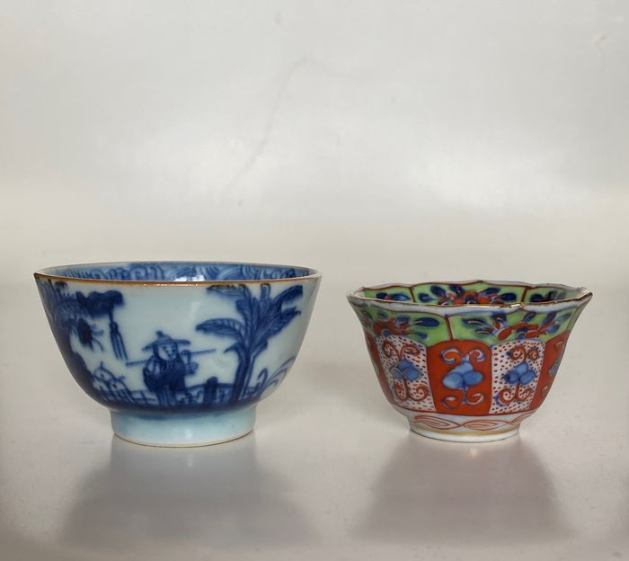 Tea cups - marked (2) - Porcelain - figures - China - 18th century