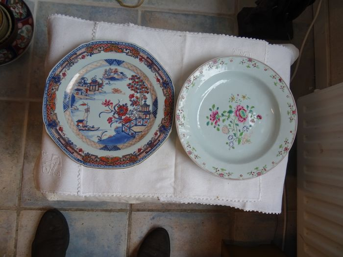 Saucers (2) - Famille rose - Porcelain - China - 18th century