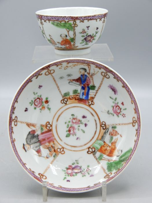 Very fine cup and saucer - Porcelain - China - 18th century