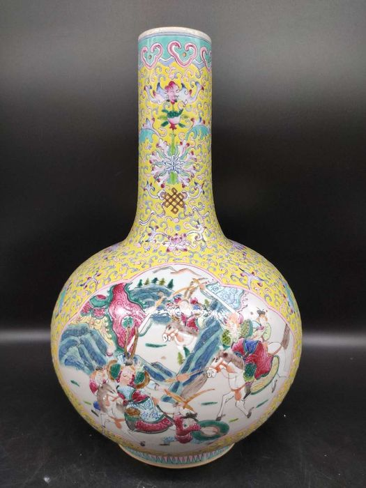 Vase - Famille rose - Porcelain - Warrior - grand taille de vase - China - 19th century