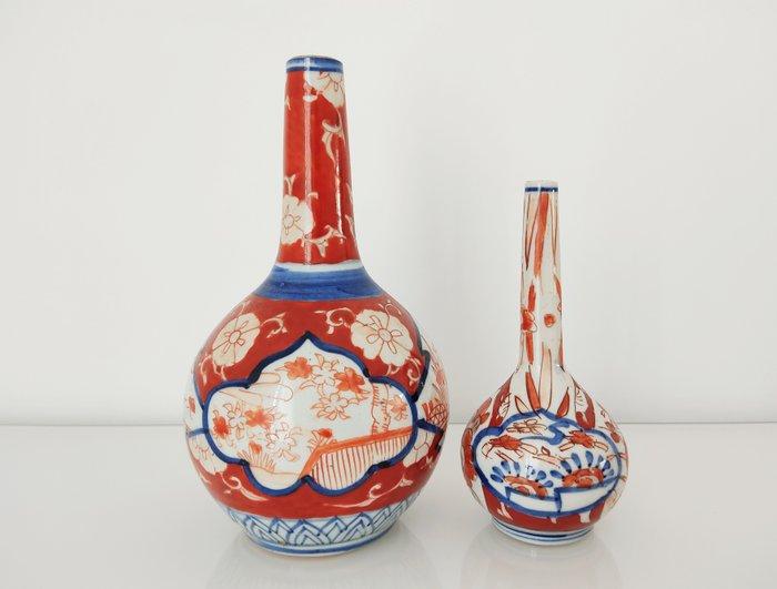 Set of 2 soliflora vases - Porcelain - Japan - Meiji period (1868-1912)