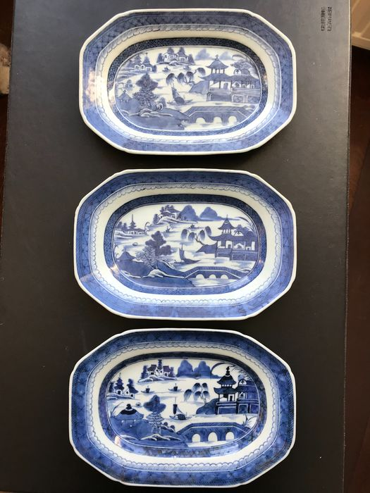 Bowl (3) - Canton - Porcelain - China - Qing Dynasty (1644-1911)