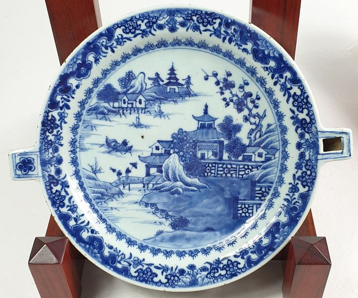 Warm water plate - Blue and white - Porcelain - China - Qianlong (1736-1795)