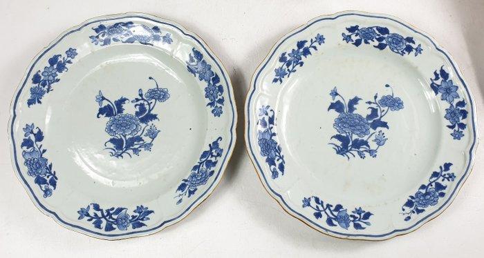 Plates (2) - Blue and white - Porcelain - China - Qianlong (1736-1795)