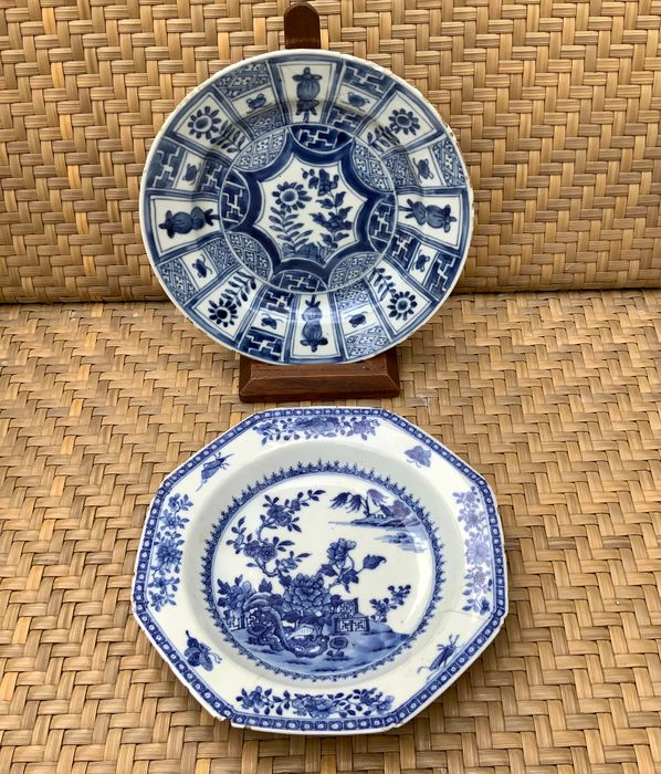 Plates (2) - Blue and white - Porcelain - Wanli and Qianlong - China - 18th century