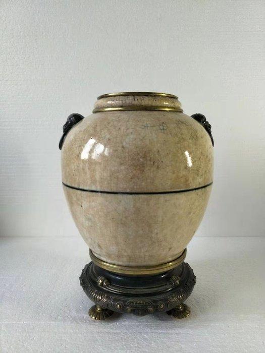 Pot - Ge-type - Porcelain - China - 19th century