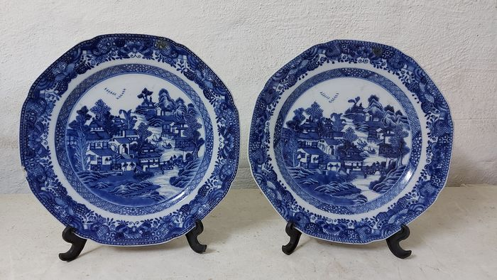 Blue and white plate (2) - Porcelain - China - Jiaqing (1796-1820)