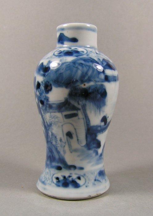 Baluster vase - Blue and white - Porcelain - Landscape - A Kangxi-marked blue and white decorated baluster vase - China - 19th century