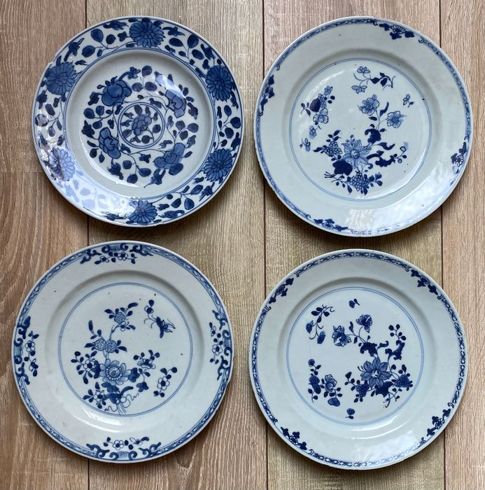 Plates (4) - Porcelain - China - 18th century