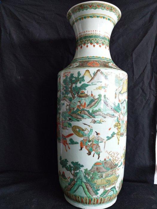 Vase (1) - Famille verte - Porcelain - Warrior - Chinesische riesige Famile verte Vase Ende des 19. Jahrhunderts - China - Late 19th century