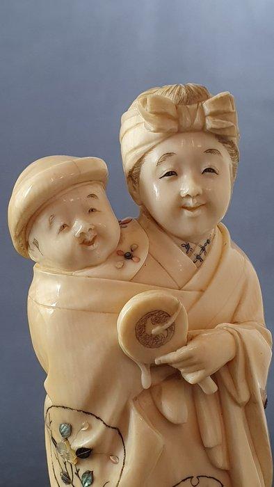 Okimono (1) - Elephant ivory - Japan - Meiji period (1868-1912)