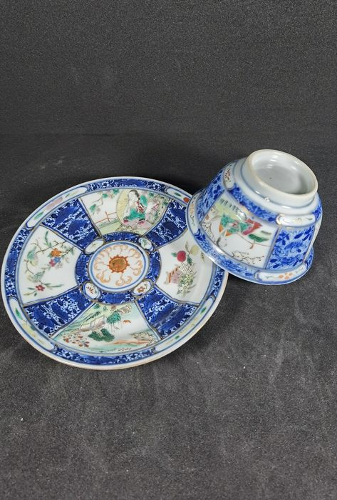 Cup, Saucer (2) - Porcelain - China - Qing Dynasty (1644-1911)