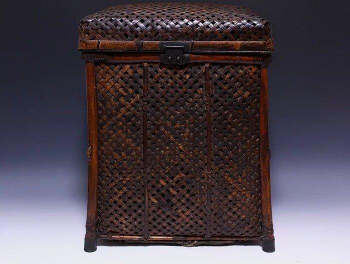 Yoroi, Hitsu box - Bamboo - Japan - Edo Period (1600-1868)