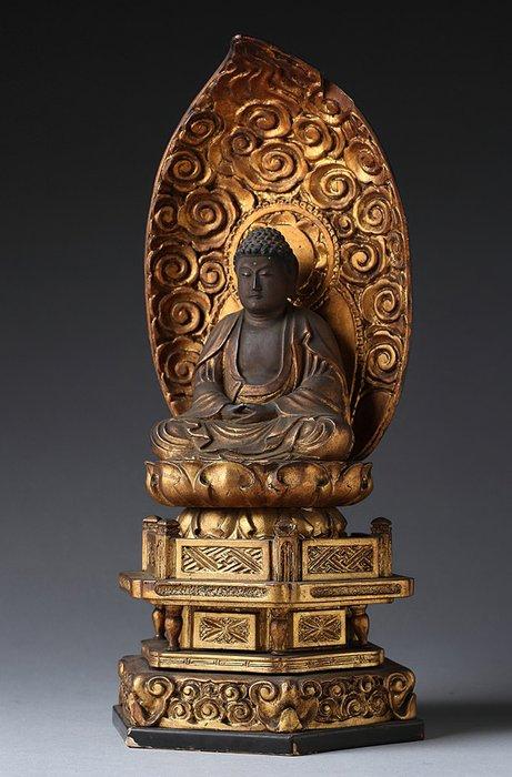 Figure (1) - Gilt, Wood - Very fine Buddha seating figure of Shaka Nyorai (Shakyamuni) - Japan - Edo Period (1600-1868)